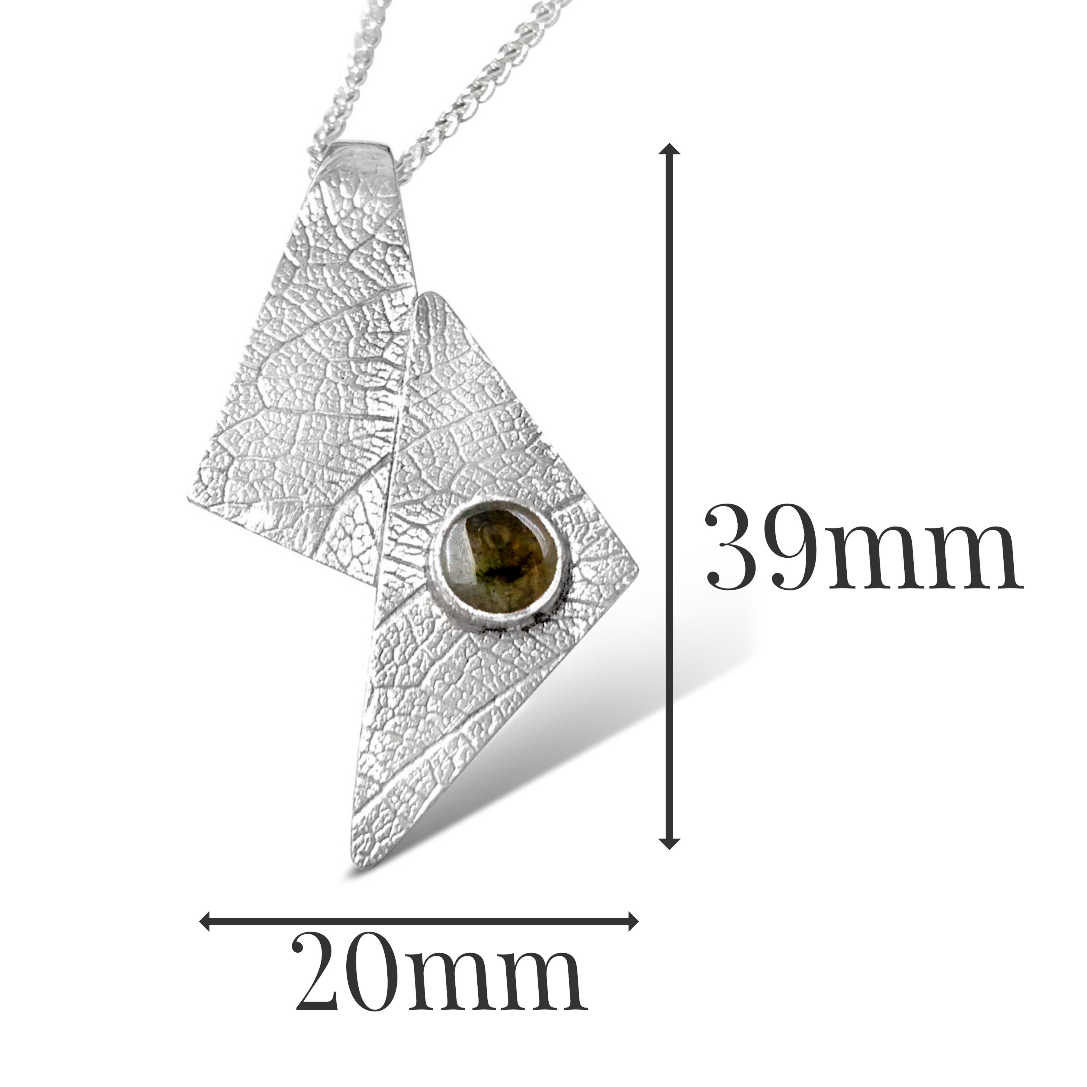 LP541 - Sterling Silver Labradorite Pendant sizes