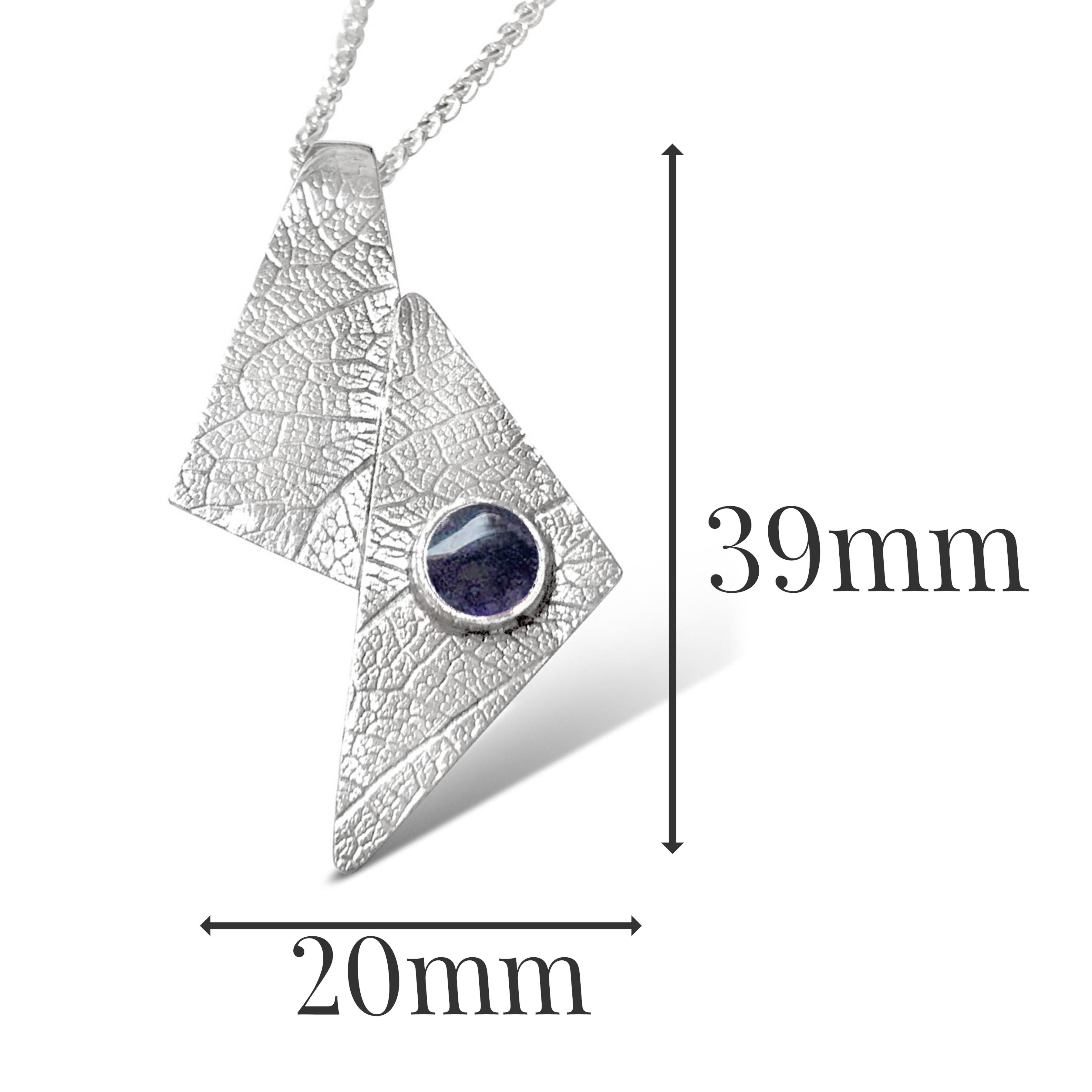 LP541 - Silver Iolite Pendant Sizes