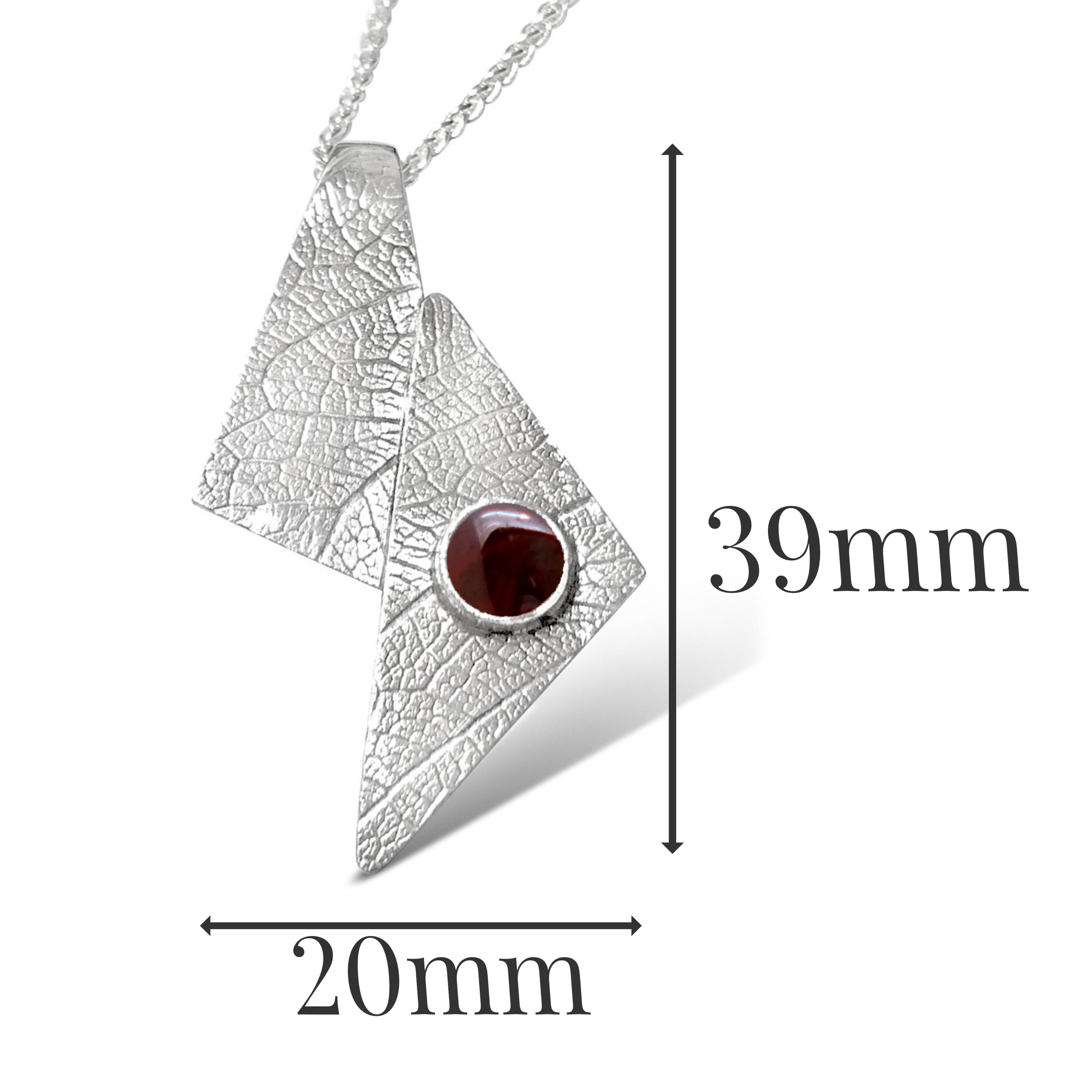 LP541 - Silver Garnet Pendant sizes